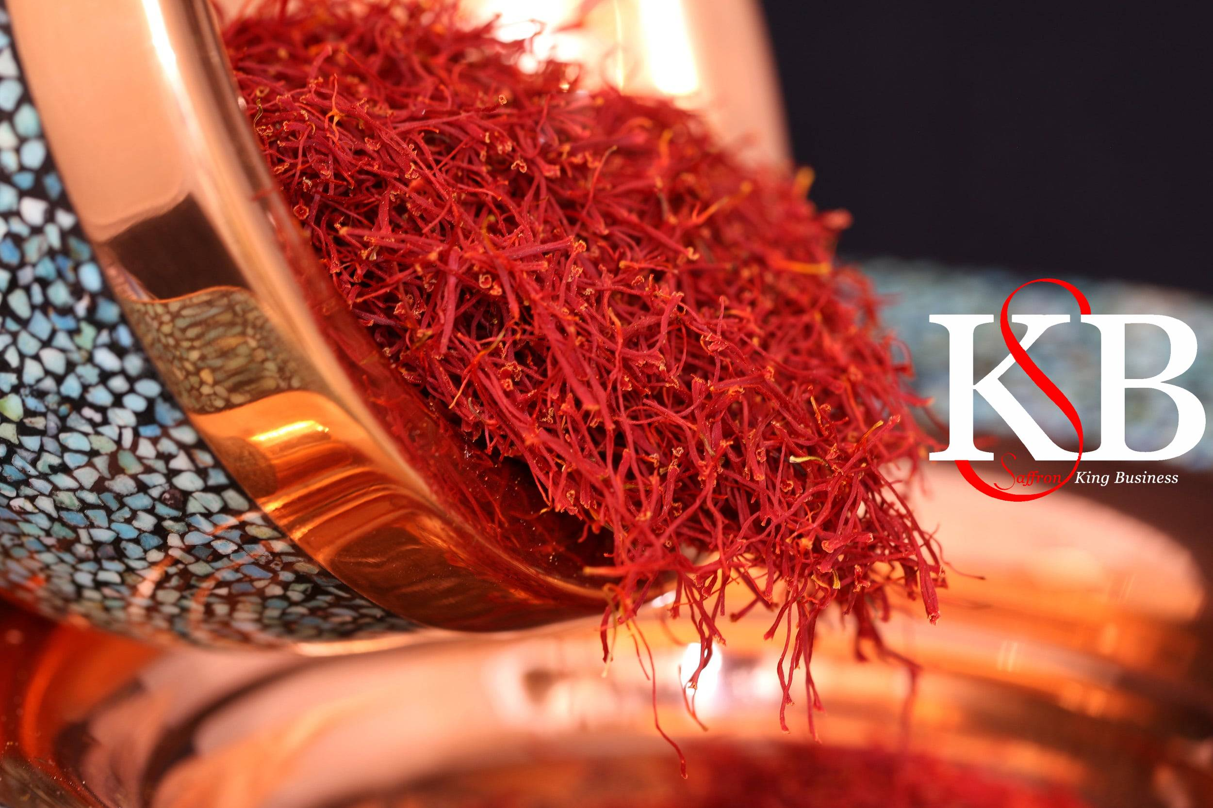 Kauf von Kilo Safran auf dem Markt